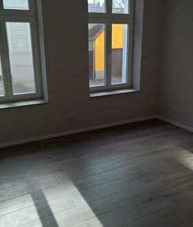 TERRASSEN-Wohnung mit EINBAUKÜCHE + TAGESLICHTBAD