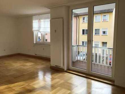 Stilvolle und großzügige 3-Zimmer Wohnung in Nürnberg/Sebald am Pegnitzufer