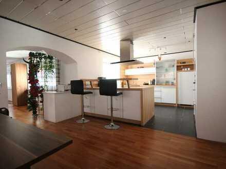 Katip | Großzügig und ruhig gelegene 3-ZKB Wohnung in Buttenwiesen