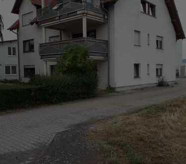 Gepflegte 3-Zimmer-Wohnung mit Balkon und EBK in Heddesheim