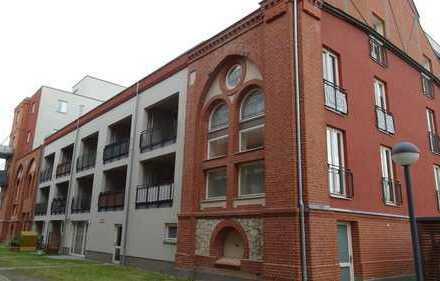 TOP gepflegte 1-Zimmer-Wohnung in wunderschönem Altbau direkt am Havelufer