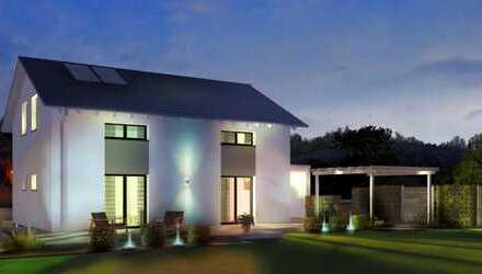 Helles Haus mit hohem Kniestock mit Baugrund in Kaufbeurern