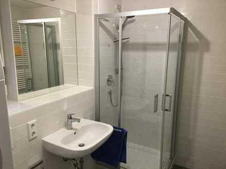 1-Zimmer mit eigenem Bad in 2er WG am Süd (nahe bei Marienplatz)