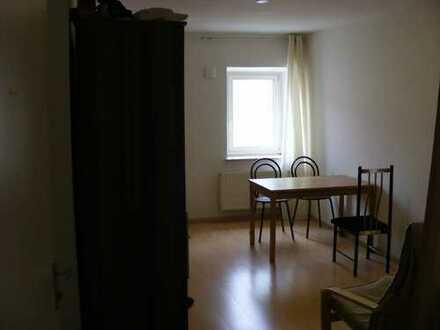 Exklusive 1,5-Zimmer-Wohnung mit Einbauküche in Tattenhausen
