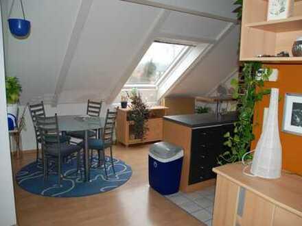 Gepflegte 3,5-Zimmer-Maisonette-Wohnung mit Balkon und EBK in Vaihingen an der Enz mit TG Stellplatz