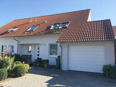 Viel Platz für die ganze Familie- gepflegte Doppelhaushälfte mit Garage und herrlichem Garten