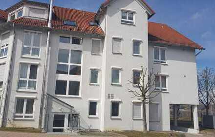 Vermietet-Stilvolle, gepflegte 4-Zimmer-Dachgeschosswohnung mit Balkon und EBK in Altdorf