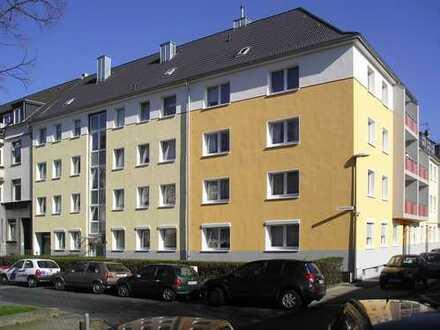 Öffentliche Besichtigung am 12. November, 16.30 Uhr, 3-Zimmer-Wohnung in Köln-Mülheim