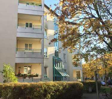 Ruhige, gepflegte 2-Zimmer EG-Wohnung mit Terrasse, 64qm - Bezugsfrei zum 1.8.2018