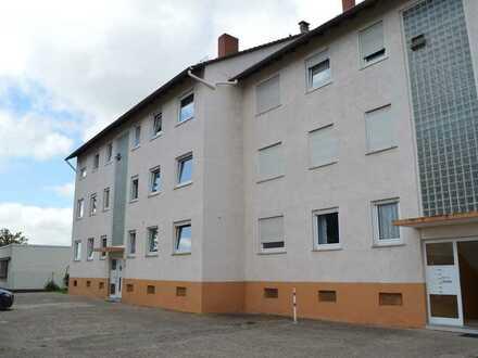Sonnige 3 – Zimmer Wohnung mit Balkon !!