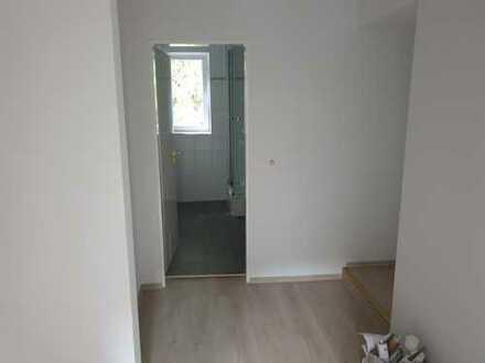 Preiswerte, vollständig renovierte 3-Zimmer-DG-Wohnung in Lindenberg