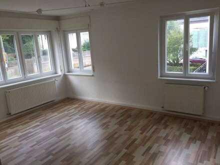 schönes möbliertes WG-Zimmer