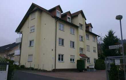 Gepflegte 3-Zimmer-DG-Wohnung mit Balkon und Einbauküche in Wächtersbach