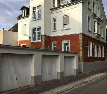 4 stöckiges Mehrfamilienhaus mit Gewerbe (5.5% Rendite)