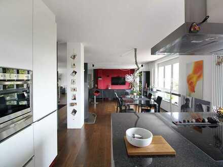 Individuelle 3-Zimmer-Wohnung mit Balkon
