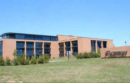 PROVISIONSFREI ! Flächen ab 500 qm in modernem Bürogebäude ideal für Fitnessstudio oder Gastronomie