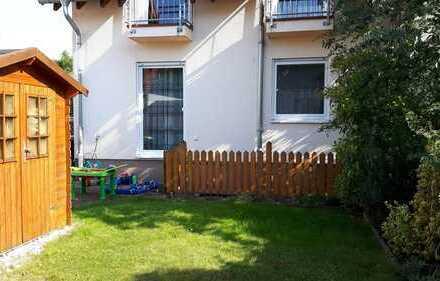 Sehr gepflegte Wohnung mit Gartenanteil und Garage!