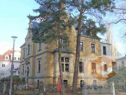 +++ Stilvoll Wohnen am Waldpark - sanierter Altbau mit Dachterrasse & 2 Bädern +++