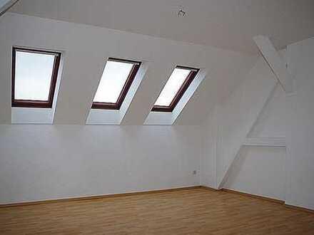 + top saniert + Dachgeschosswohnung (DG/r)