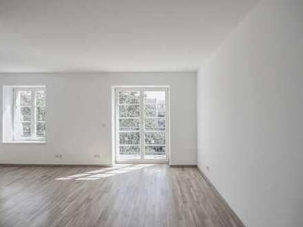 Schicke, kleine 3 Zimmerwohnung mit Riesenkomfort, Südbalkon