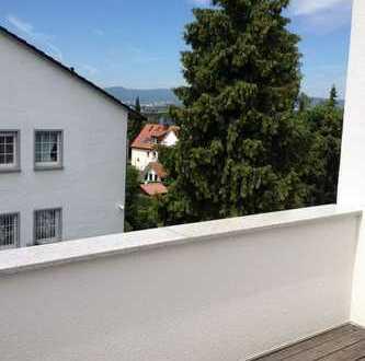 Neu renovierte 3 Zimmer DG Wohnung im 3 Familien Haus