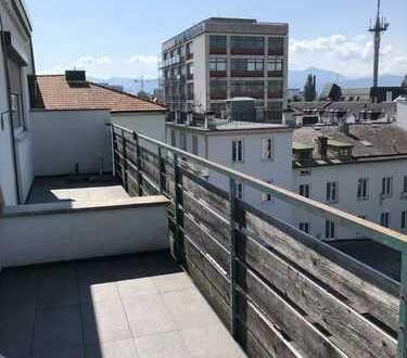 Helle 2,5-Zimmer-Wohnung in der Rosenheimer Innenstadt mit Penthouse-Charakter
