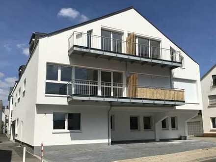 Siegburg-City, moderne, ruhig gelegene 3-Zimmer- Wohnung mit Dachterrasse, Erstbezug nach Sanierung