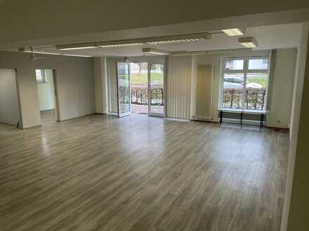 Büro-/Praxisfläche ggf. Wohnung im Erdgeschoss