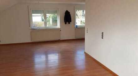 Sanierte Wohnung mit drei Zimmern und EBK in gaufelden-nebringen