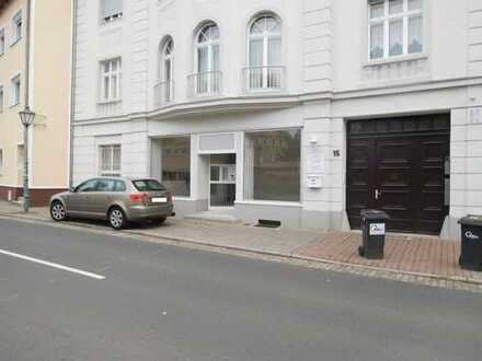 Moderne Laden- und Praxisfläche im Zentrum von Zwenkau