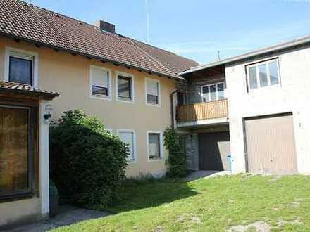 Zweifamilienhaus mit Scheune und Garagen von privat zu verkaufen