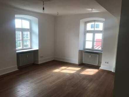 Neuwertige 4-Zimmer-Wohnung mit EBK in Weinsberg