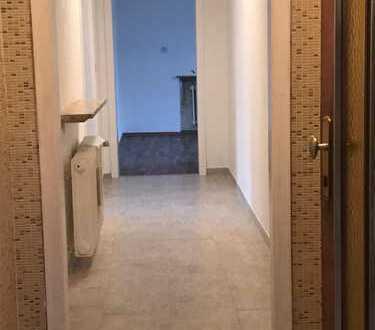 600 €, 80 m², 4 Zimmer
