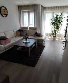 Schöne lichtdurchflutete 2 Zimmer Wohnung in Freiberg am Neckar