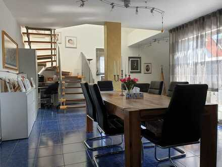 Großzügige Dachgeschoss Maisonetten Wohnung in idyllischer Waldrandlage in Germersheim/Sondernheim