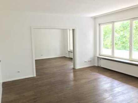 Erstbezug nach Sanierung: stilvolle 4-Zimmer-Wohnung mit sehr großem Balkon