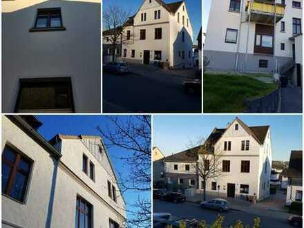 Kernsanierte 4-Zimmer Balkonwohnung mit Altbau-Charme in Winz-Baak