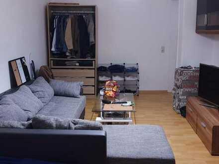 Möbliertes Zimmer in einer netten, sauberen 4er WG