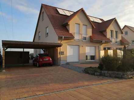 Gepflegte 5-Zimmer-Doppelhaushälfte mit Terrasse 140 m² Wohnfläche