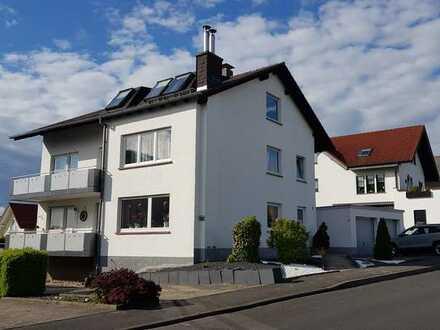 Gepflegte Erdgeschosswohnung mit vier Zimmern, Balkon, Garten+ Apartment in Hünfeld