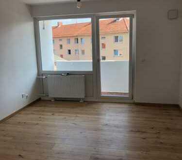 Sanierte, sonnige 1-Zimmer-Wohnung mit Balkon in Braunschweig