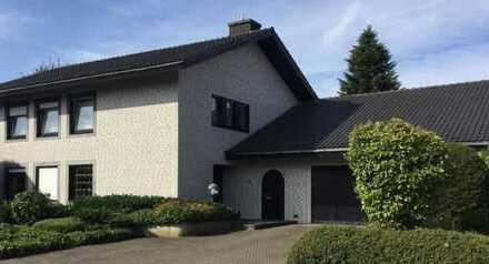 Oelde: Freistehendes Einfamilien-Wohnhaus mit Garage