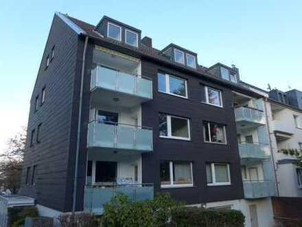 Zentral und ruhig in Bredeney, Eigentumswohnung mit Einbauküche, Balkon und Garage, ca. 90 m²