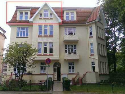 Jugendstilhaus am Schlosspark - Wunderschöne 90 m² Wohnung (Dachgeschoss, 4 Zimmer)