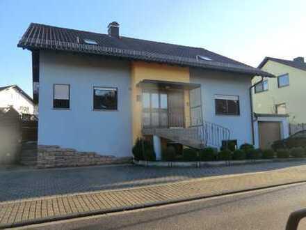 Sehr gepflegte 3 Zimmer – DG Wohnung in Kraichtal Gochsheim zu vermieten !