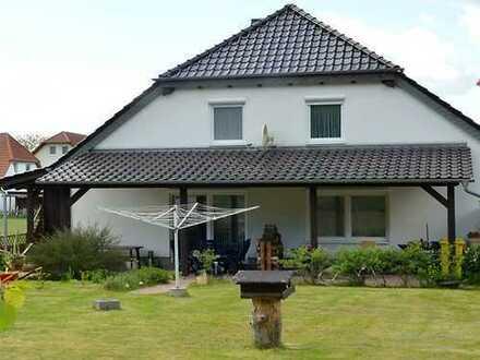 Neuwertiges Doppelhaus mit vielen Möglichkeiten !