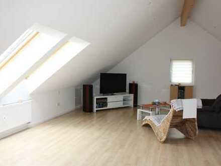 Wohnung mit lichtdurchflutetem Dachstudio