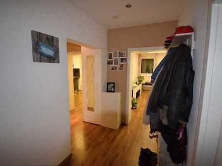 Gepflegte 4-Zimmer-Wohnung mit Balkon in Oberhausen für maximal 3 Personen