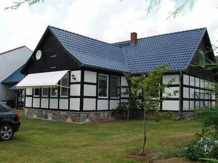 Vorbildlich restauriertes Fachwerkhaus für Pferdeliebhaber mit kompletter Gartengeräteausstattung