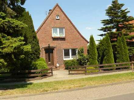 Schönes, geräumiges Haus mit drei Zimmern in Wesermarsch Brake (Unterweser)